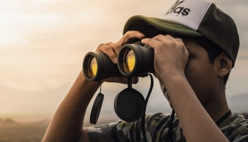 Best Binocular Harness for Hunting: Make The Binocs Weightless