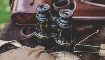 Best Night Vision Binoculars Reviews: Top 10 Binocs For Night Lovers!